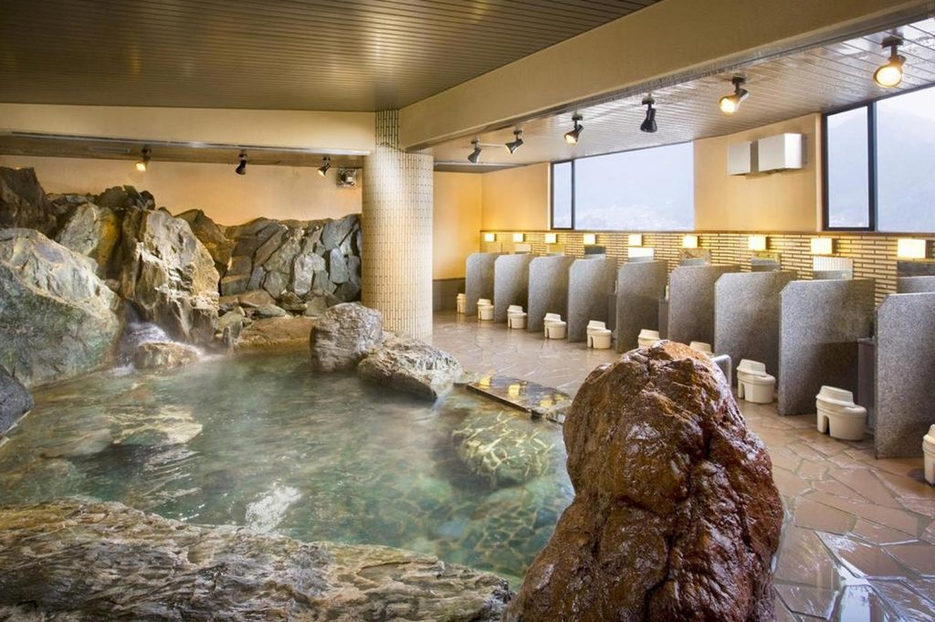 What is a Ryokan Onsen