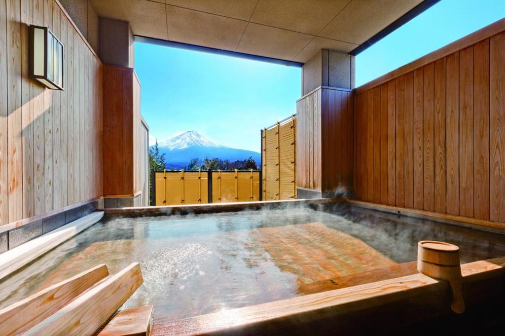 What is a Ryokan Fuji