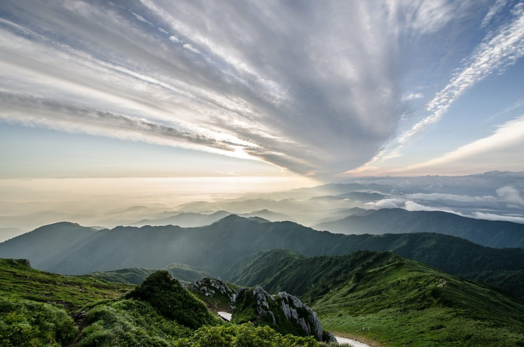 best time to travel to japan hiking