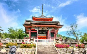 What is the Difference Between a Shrine and a Temple in Japan 0