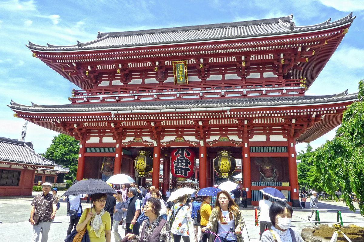 https://itsyourjapan.com/wp-content/uploads/2018/09/asakusa-shopping.jpg