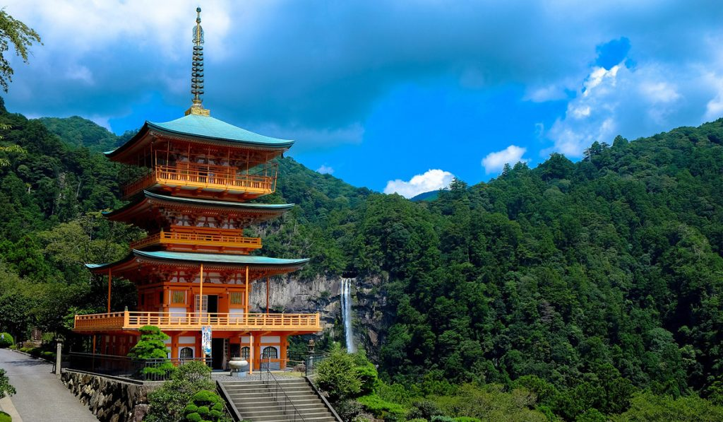difference between Shrine and Temple Japan What is a Temple 1