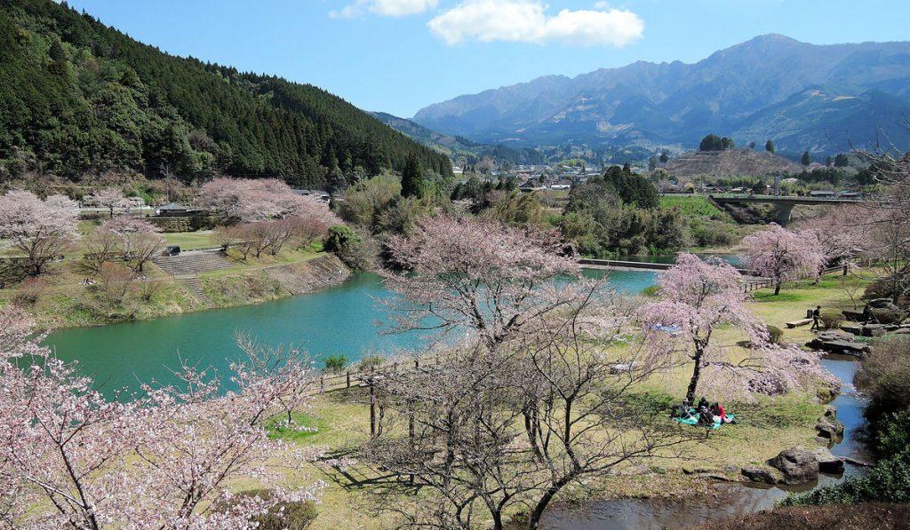 kumamoto travel Ichifusa Dam Lake