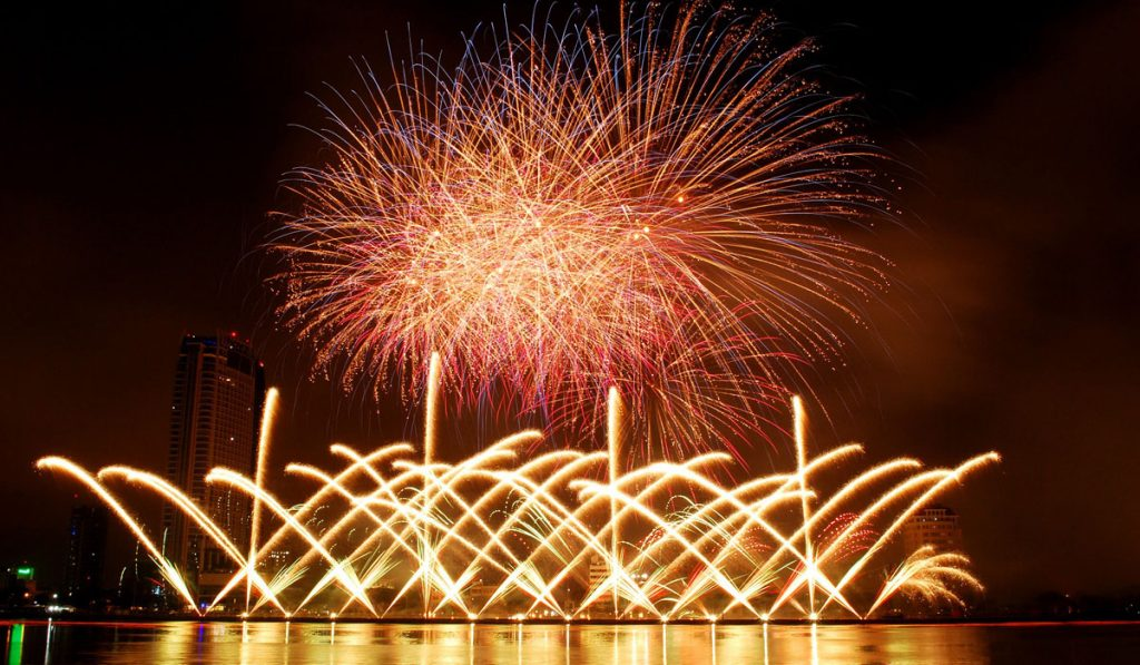 Things to do in Tokyo for free 10 Japanese Fireworks