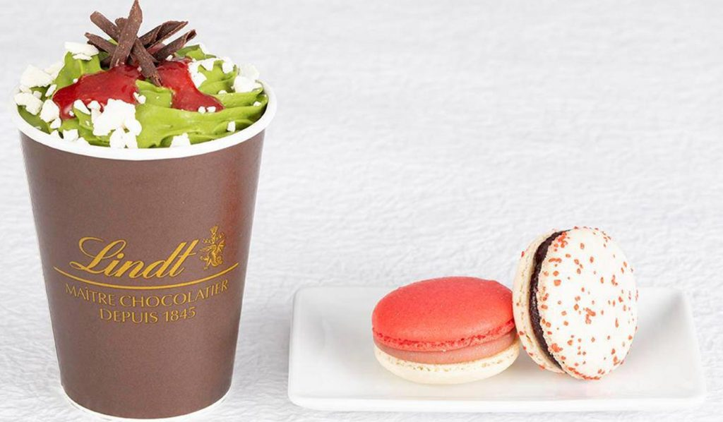 Christmas limited edition Japan Lindt macarrons