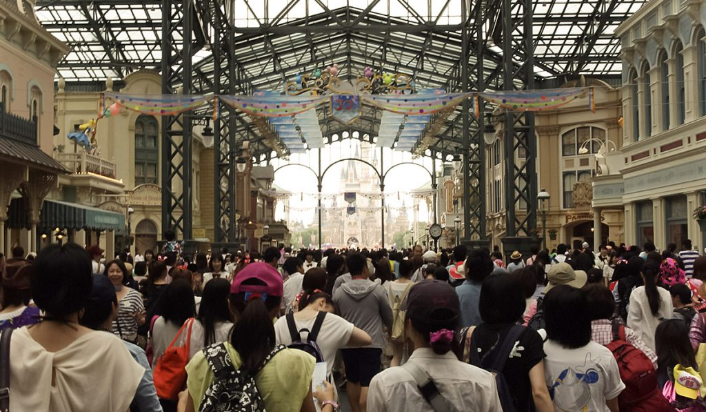 Visiting on the Weekend or Public Holiday tokyo disneyland