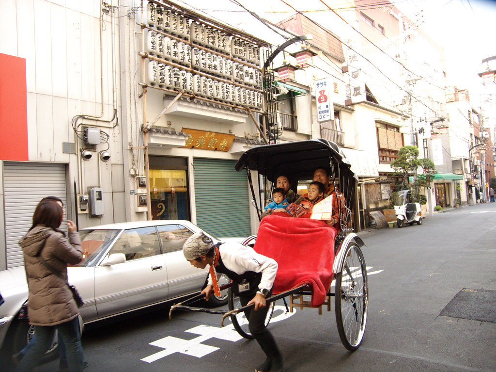 things to do tokyo with kids - rickshaw asakusa