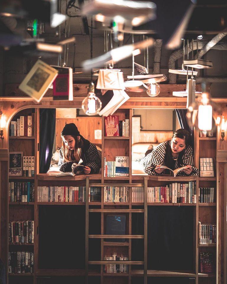 book and bed shinjuku2