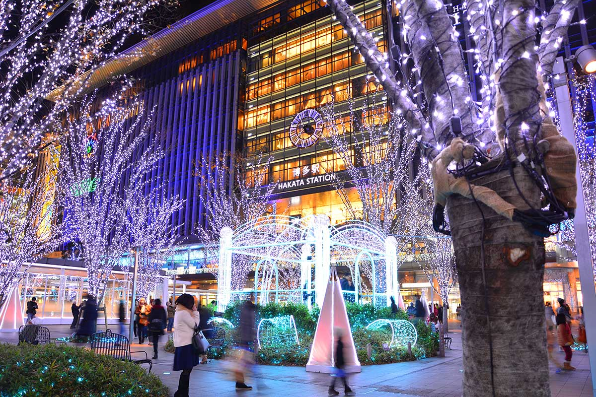 Christmas in Japan: 9 Fun Facts and Traditions