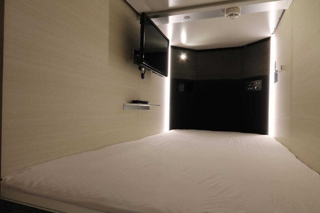 Cabin & Capsule Hotel J-SHIP Osaka Namba 1