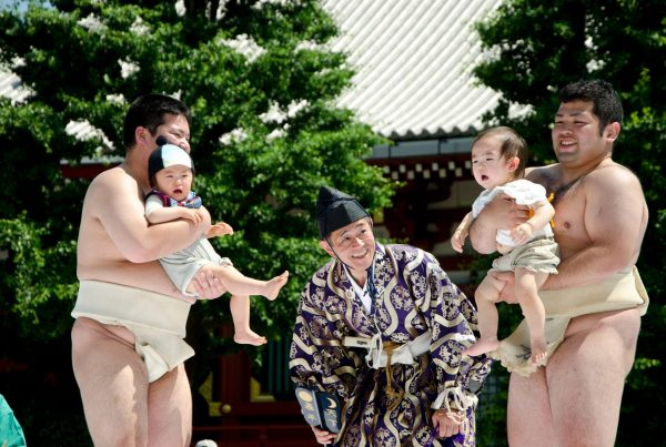 babies crying luck japan